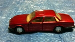 JAGUAR XJ6 (X300)  MATCHBOX  (1987)   1/43