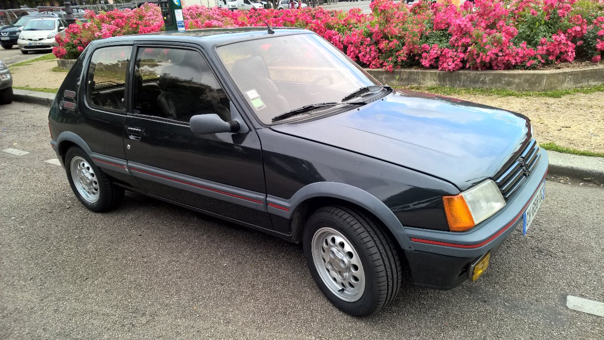 peugeot 205 gti 1 6 de 1985 visible paris. Black Bedroom Furniture Sets. Home Design Ideas